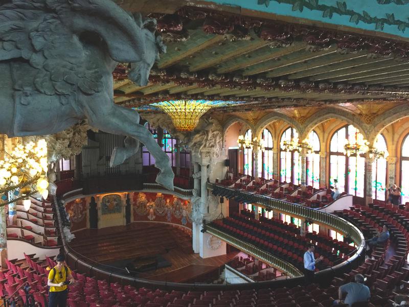 バルセロナ観光で絶対に外せない!カタルーニャ音楽堂