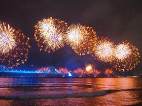 韓国最大規模「釜山世界花火大会」華麗な花火と夜景の融合