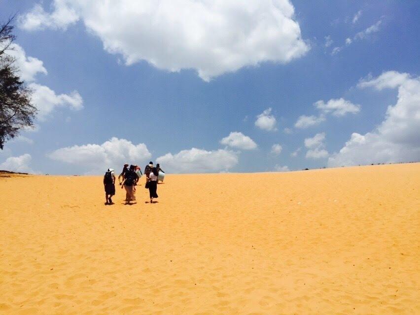 ちょっと足を延ばして、砂漠へ