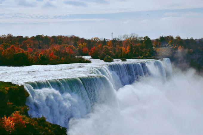 ナイアガラの滝と紅葉
