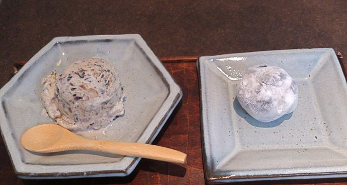 大福は小ぶり、黒豆ゴロゴロ、手作り『黒豆塩大福』