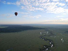 360度広がるサバンナの地平線!ケニアで体験『天空サファリ』が凄い