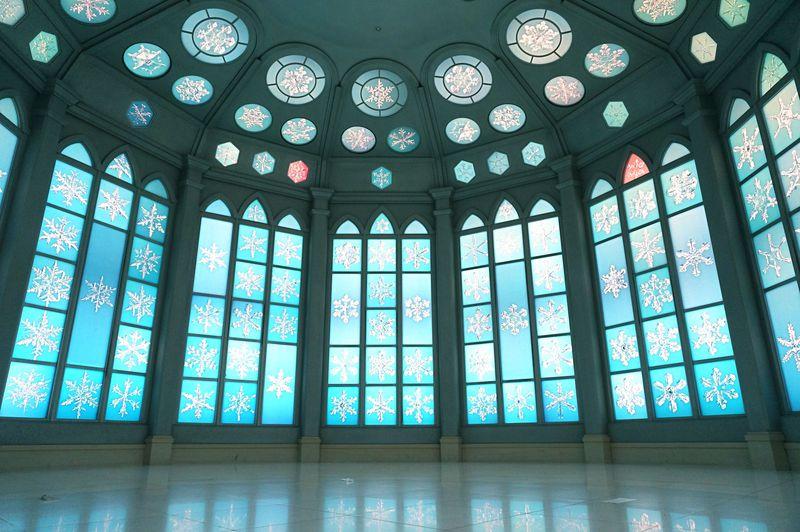 """まるで""""アナ雪""""の世界と話題に!北海道『雪の美術館』が美しすぎる"""