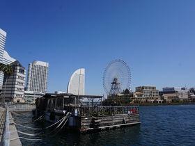 海に浮かぶ絶景カフェ!横浜港ボートパーク「ヘミングウェイ」