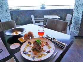 レストランも人気!葉山・森戸海岸「スケープス ザ スィート」