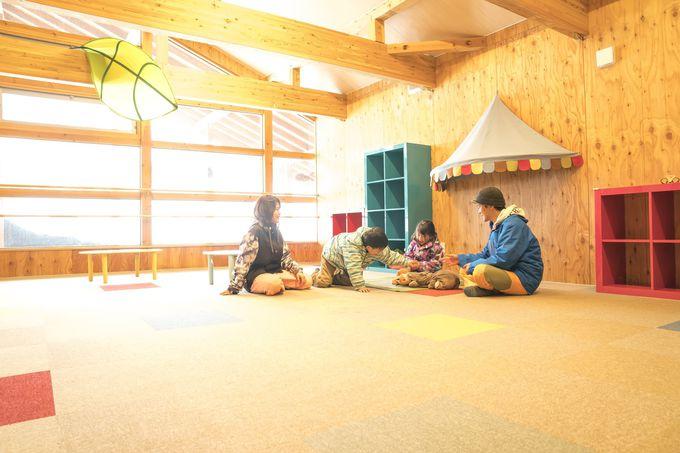 無料休憩所が6ヶ所も。おすすめは2つの親子専用と「ブルートレイン中里」
