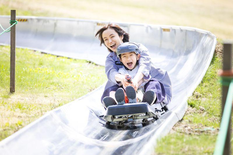 子供の笑顔が絶えない「タングラム斑尾」多彩なアクティビティを遊びつくせ!