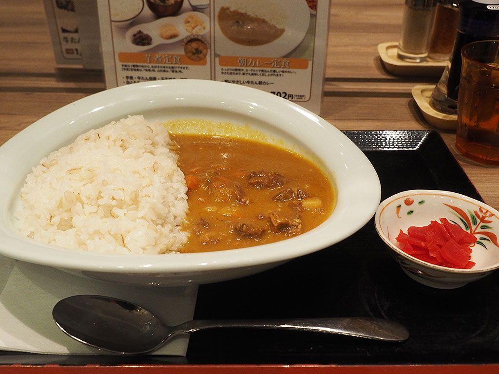 【ラーメン、カレー】人気店は朝食タイムが狙い目