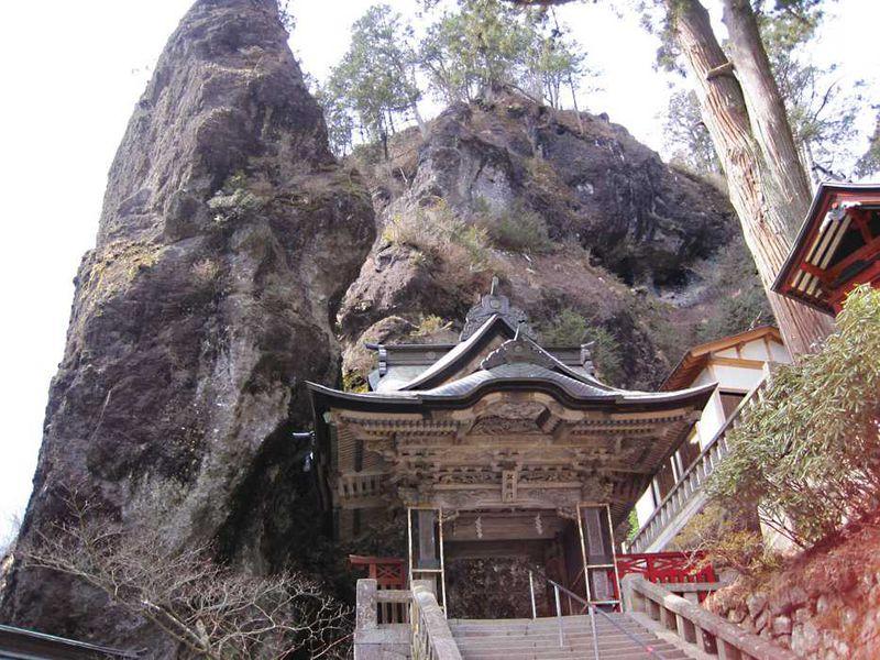 天然の要塞!群馬県の超パワースポット「榛名神社」