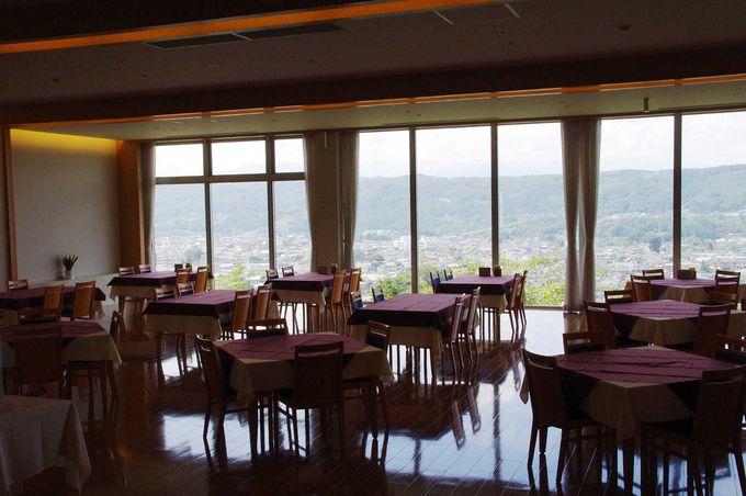 丘の上に建つホテルだから、絶景が望めます!