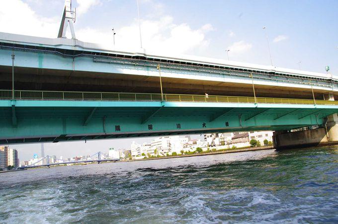 隅田川で唯一、二層式構造になっている隅田川大橋