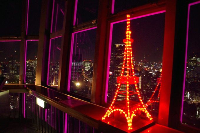 ミニ東京タワーがある、高さ150mの大展望台