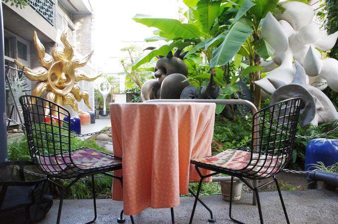 岡本太郎記念館の締めくくりには、カフェで美味しいお茶をどうぞ♪