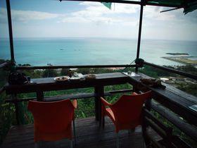 """全席オーシャンビュー!沖縄の""""美ら海ブルー""""を堪能出来る、極上のカフェ、黒糖工房・青空喫茶「八風畑」"""