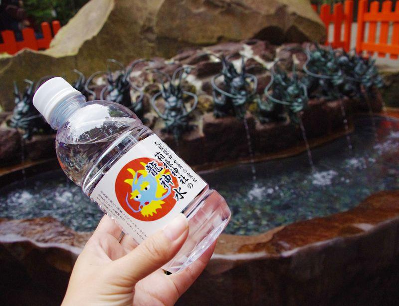恋に効く龍神水で縁結び!箱根神社(九頭龍神社 新宮)