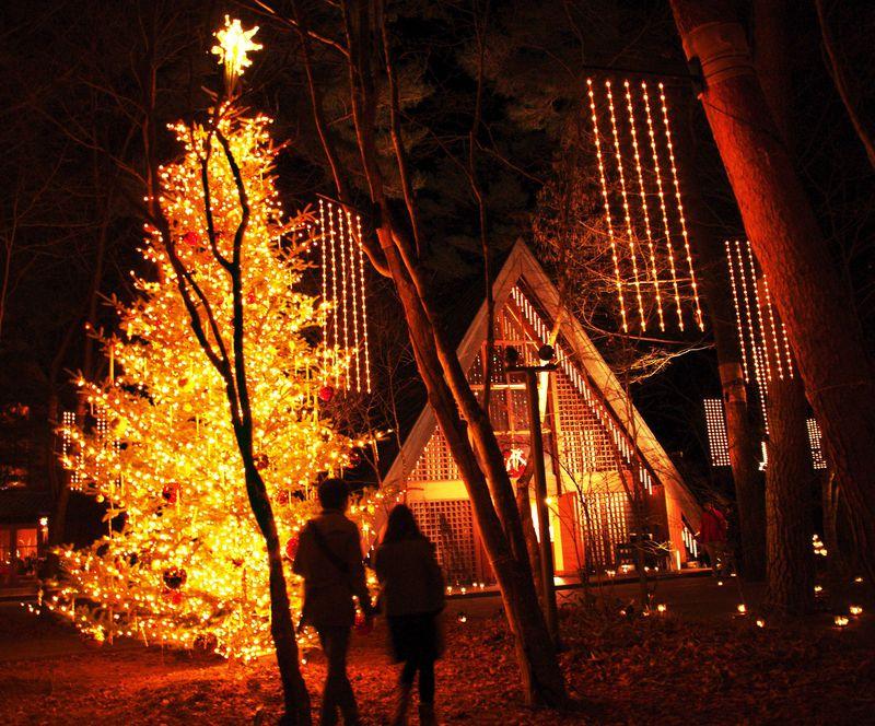 まるで絵本の世界!冬限定の特別な街『クリスマスタウン軽井沢』に行ってみよう!