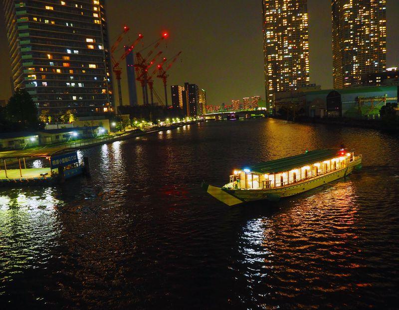 食う飲む遊ぶ!もんじゃ屋形船・千羽丸で東京下町ナイトクルーズ