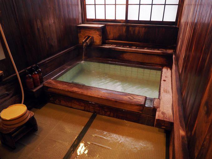 天然畳敷き!5種類の貸切風呂に入り放題