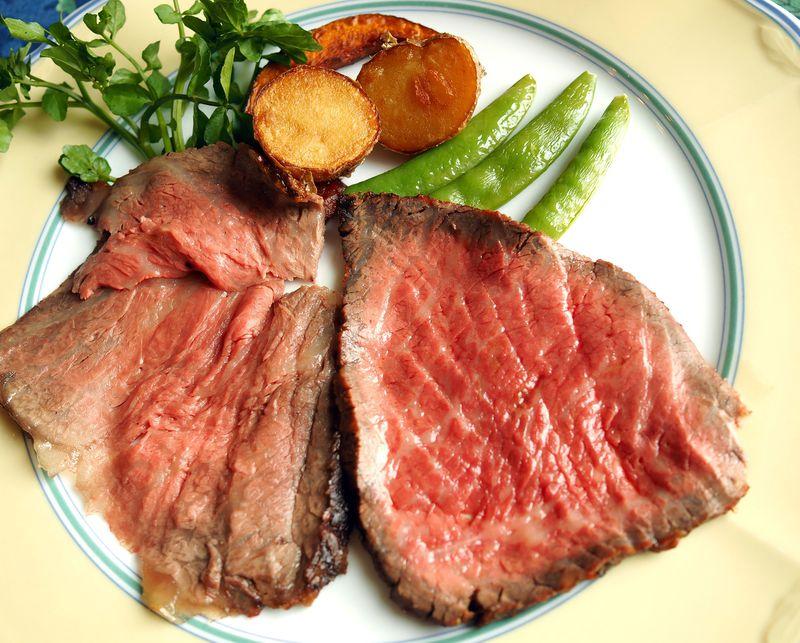 まいった!肉好き絶賛の極上ローストビーフ!山梨 レストラン風