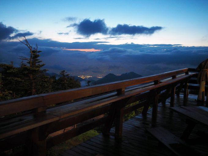 「横手山頂ヒュッテ」に宿泊すると見られる、絶景の数々