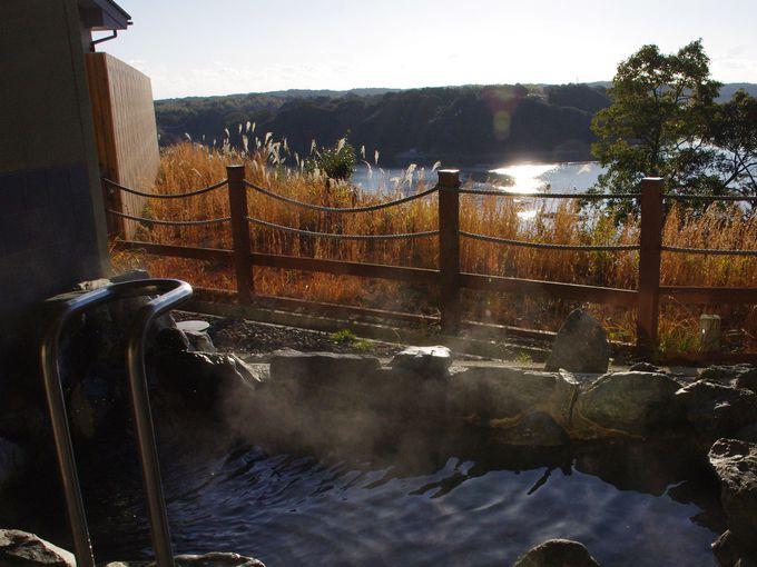 的矢湾を間近に望む絶景露天風呂
