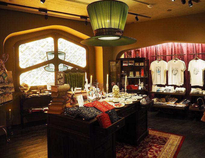 """3階""""帽子屋のアトリエ""""には、東京店限定のTシャツも"""