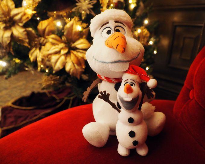 ギュッ〜て抱きしめて!クリスマス限定グッズにオラフも登場