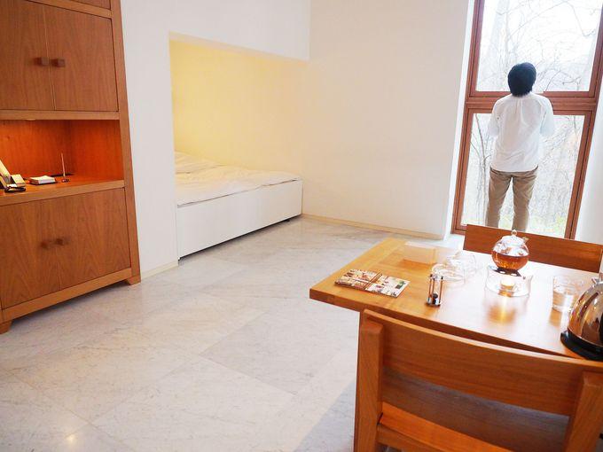 大理石の床は床暖房!快適さも兼ね備えた客室