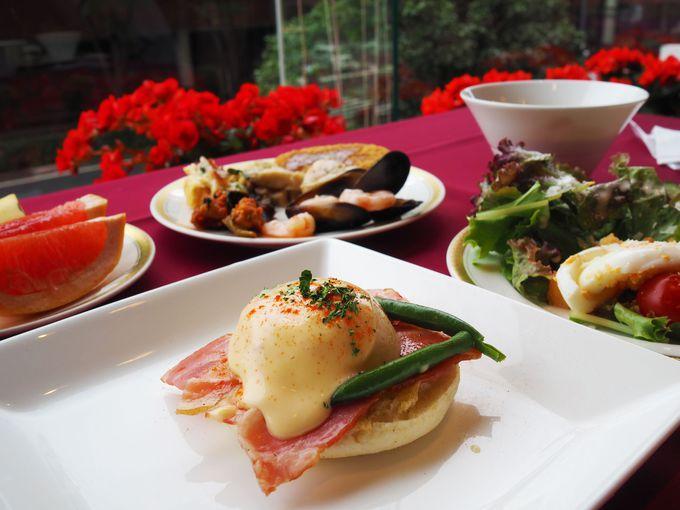 【関内】ホテルで味わうエッグベネディクト付き朝食バイキング