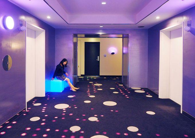 不思議な魅力のエレベーターホール