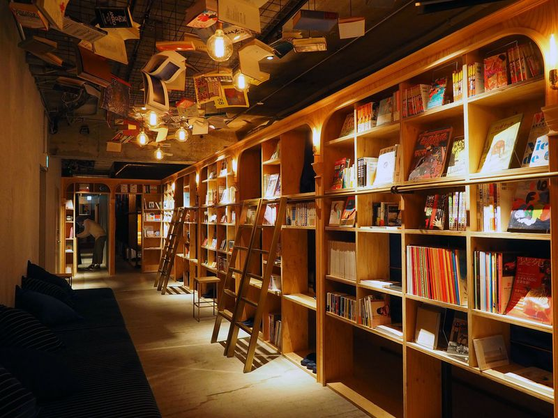もはや住みたい!池袋の泊まれる本屋「BOOK AND BED TOKYO」って?