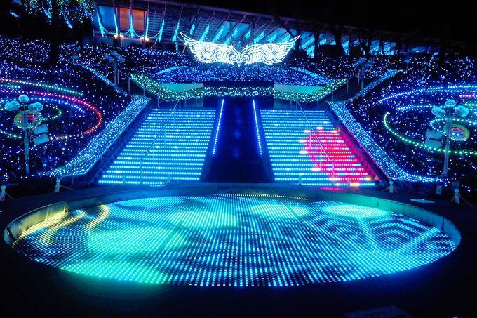まるで生紅白!小林幸子さんの光と音に合わせた壮大なショー