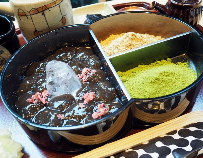 極限のぷるぷる!東京大学の「廚菓子くろぎ」で出会う賞味期限30分の蕨もち