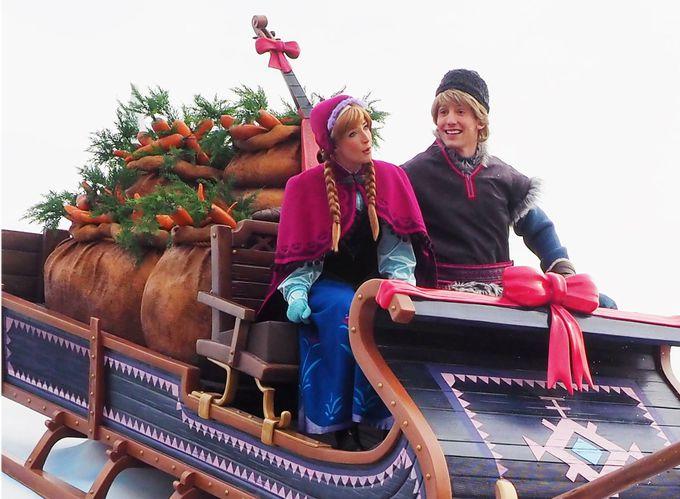 新キャラクターが続々登場。アナ雪のパレードは絶対見逃せない!