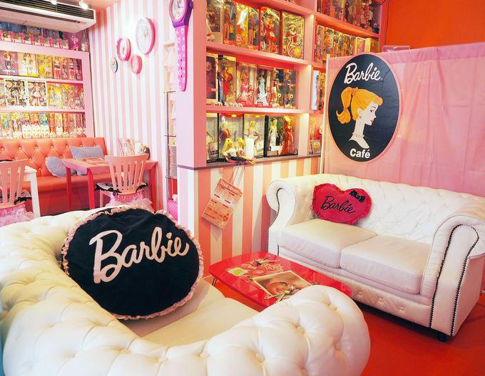 ドールハウスをイメージした店内は、どこを見てもバービー