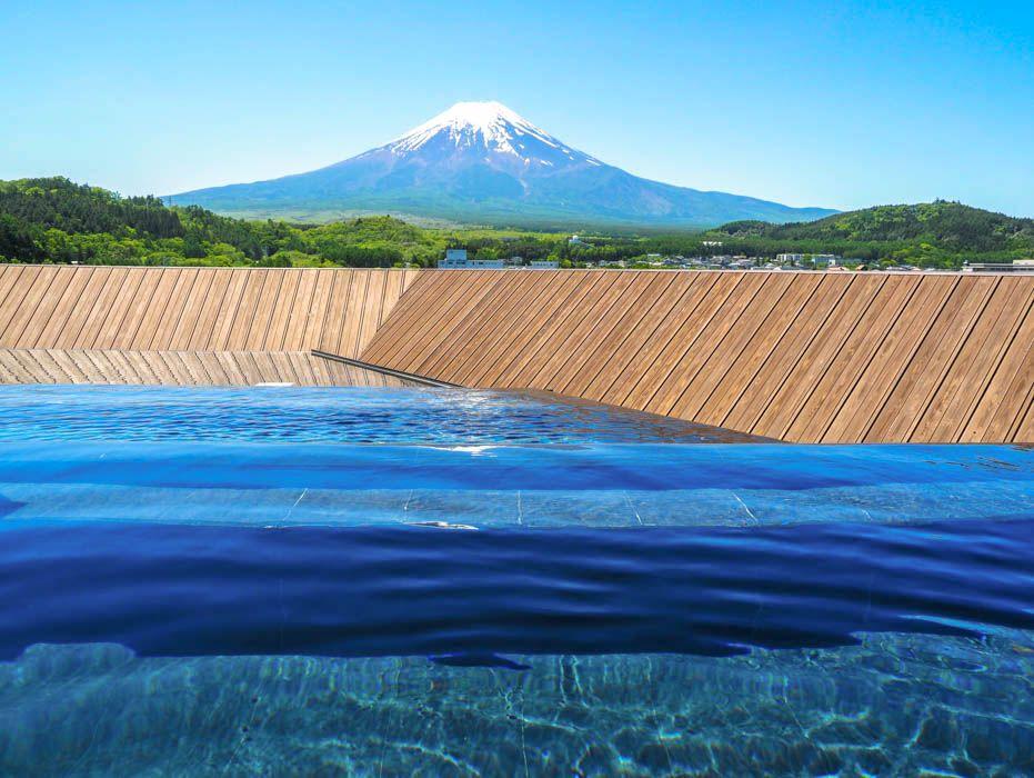 「ホテル鐘山苑」は富士山に最も近い天空露天!