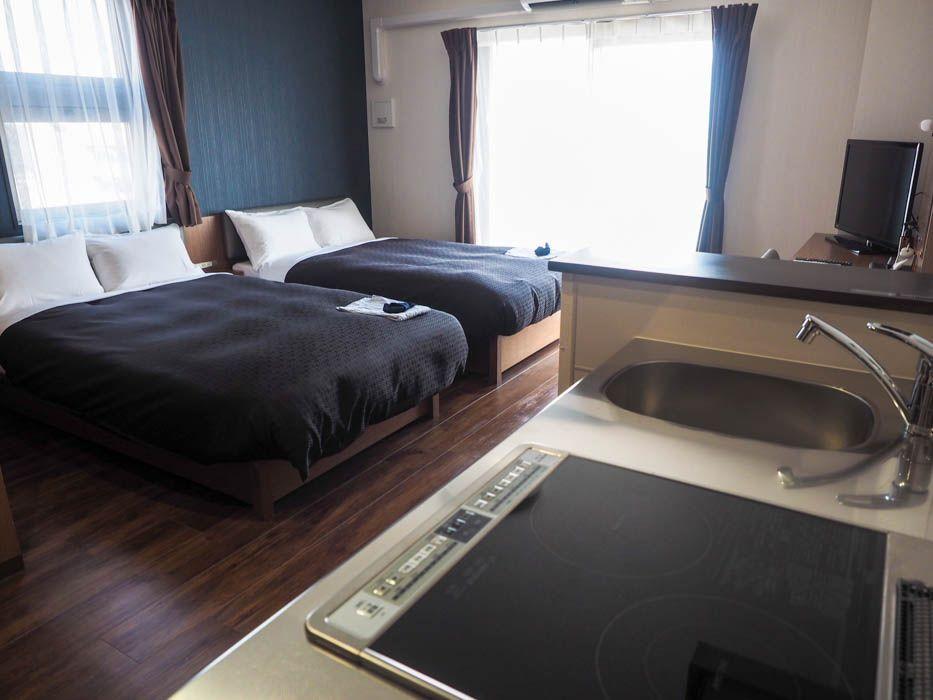 ワンルームマンションを改装した客室は、広くて便利!
