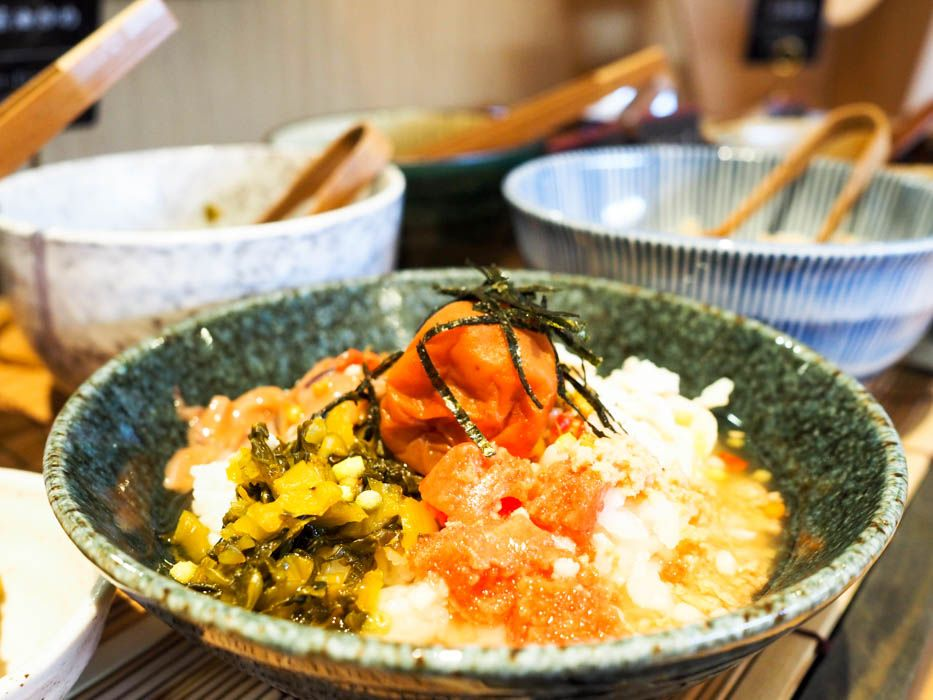 朝食は茶漬けビュッフェでサラサラ…と幸せいっぱい!