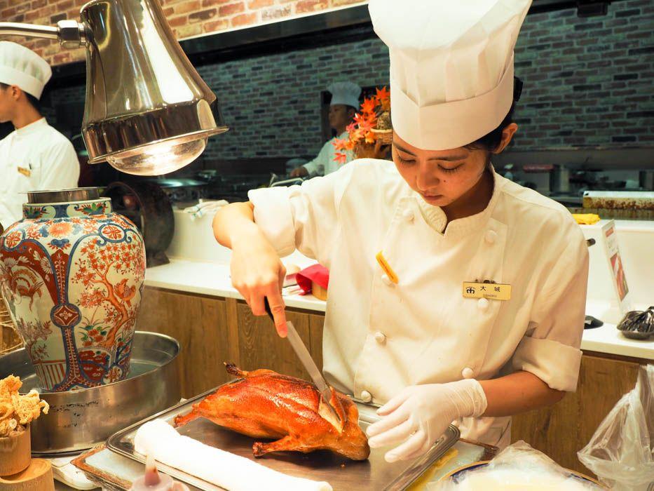 北京ダックやフォワグラなど豪華食材も、ぜーんぶ食べ放題
