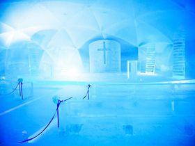 北海道に1ヶ月だけ出現!星野リゾート トマム「氷の教会」が異次元レベルで美しい