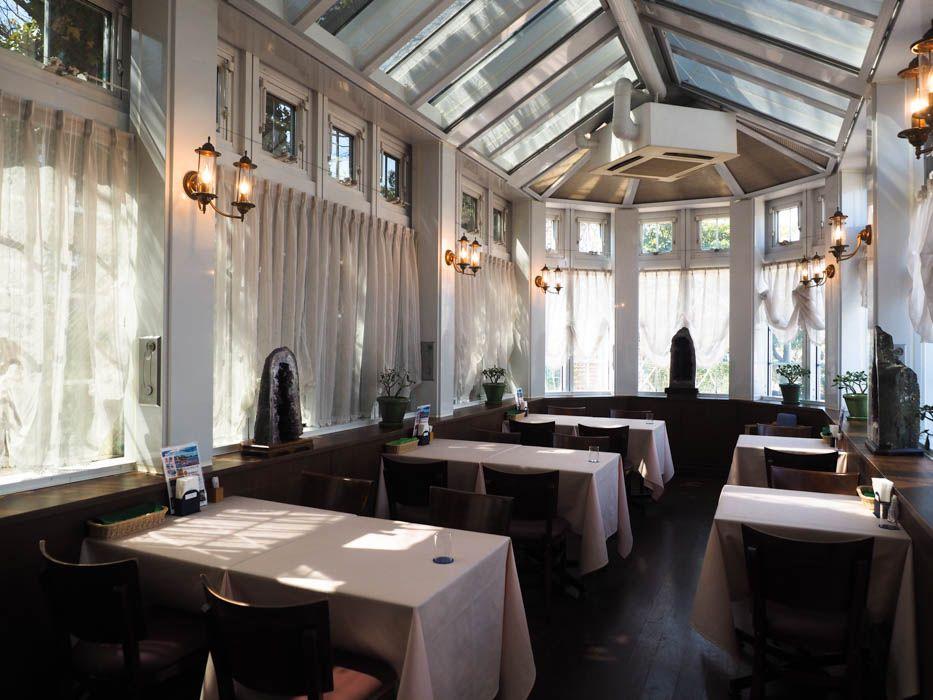 名古屋メシも食べられる。お洒落なレストラン「アウラ」