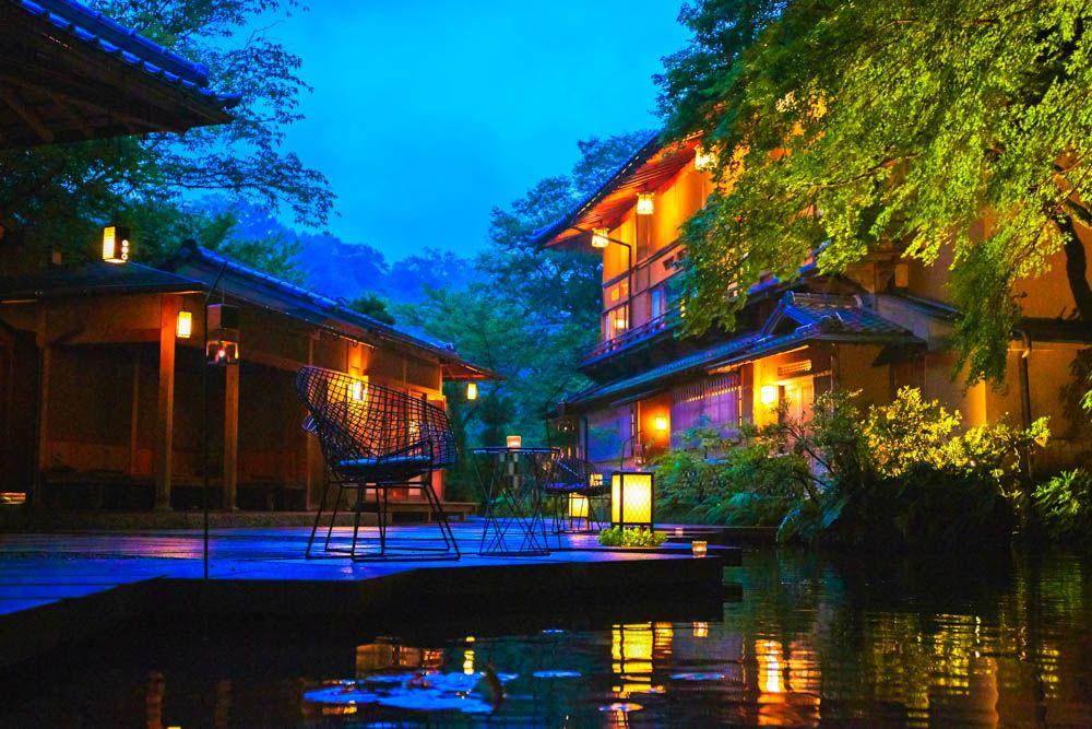 全室リバービュー。「星のや京都」らしい寛ぎの客室