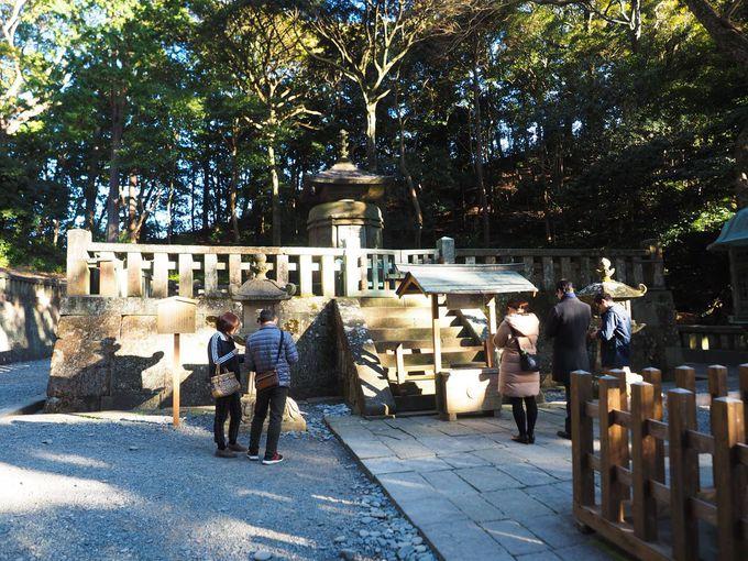 久能山東照宮と日光東照宮、どちらが本当のお墓なのか?