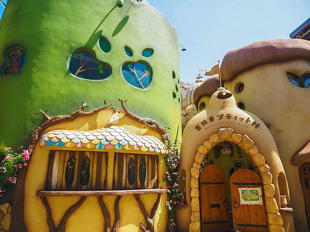 吉祥寺プティット村の猫カフェ「てまりのおしろ」が最高の癒し!そこはジブリの世界