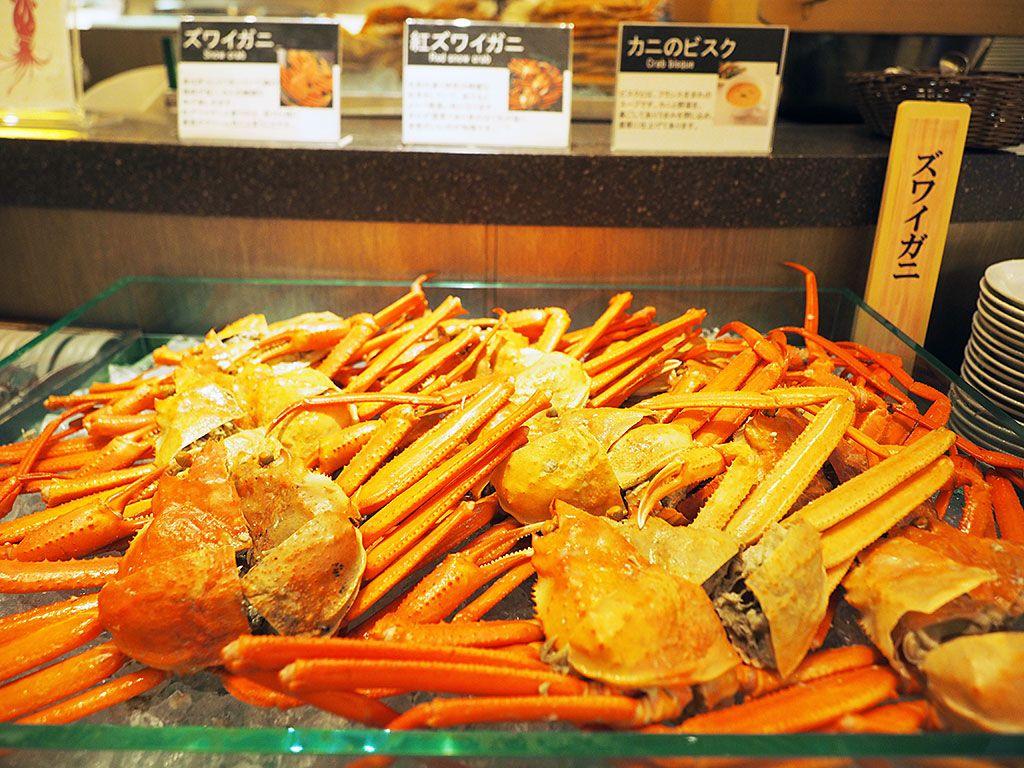 太っ腹!高級食材やさばきたての魚も食べ放題