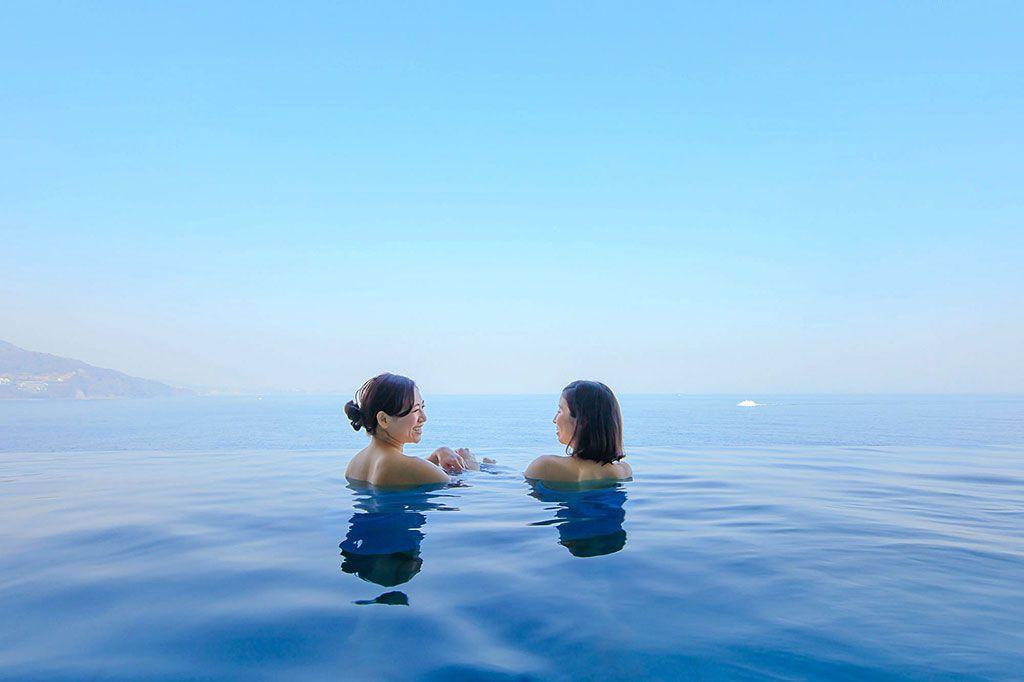 インフィニティ立ち湯が話題!熱海ベイリゾート後楽園の日帰り温泉