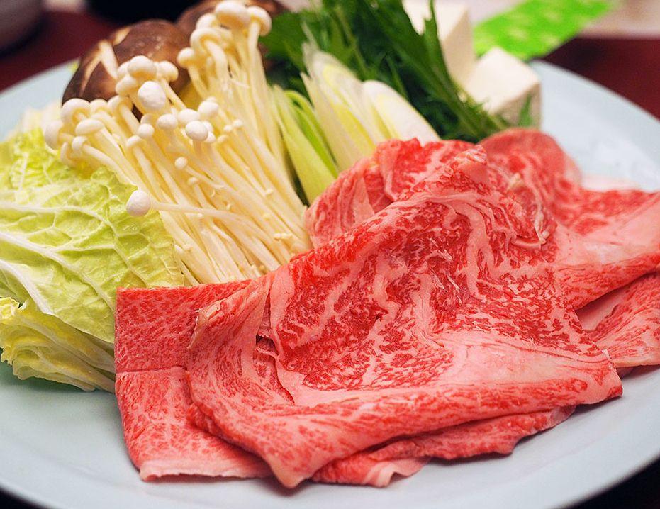 肉人生が変わるかも!絶品米沢牛のすき焼き
