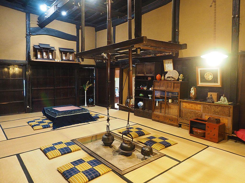 伝統建築の美しさを感じる共有スペース