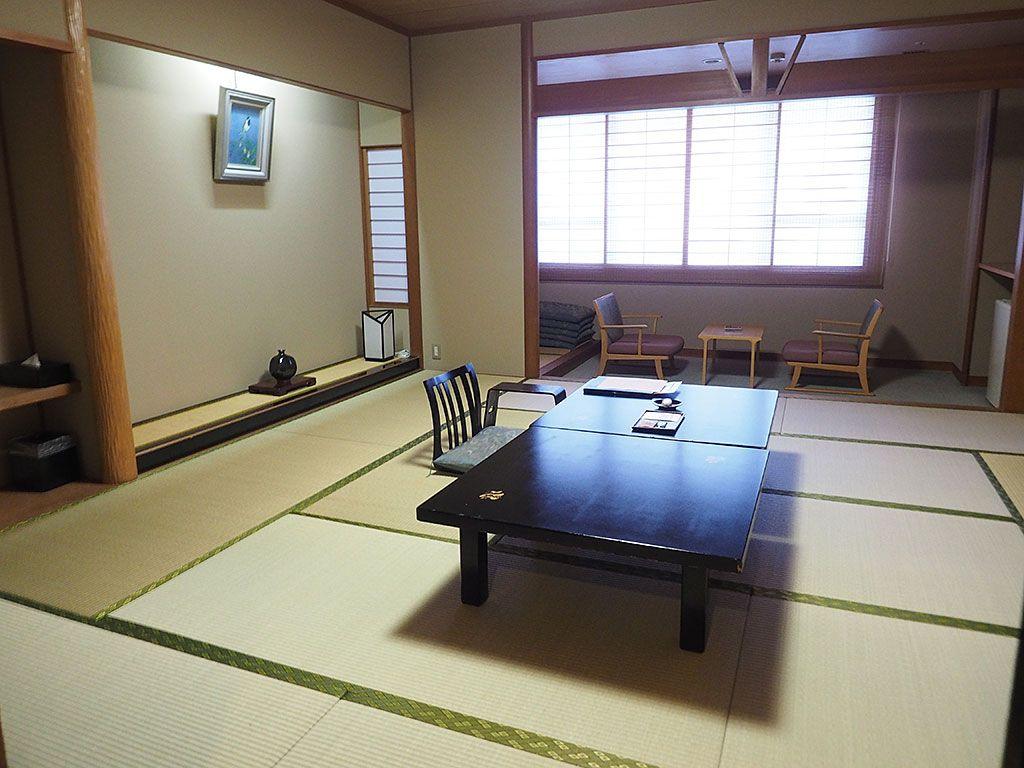 一人旅でも客室は最低10畳〜!