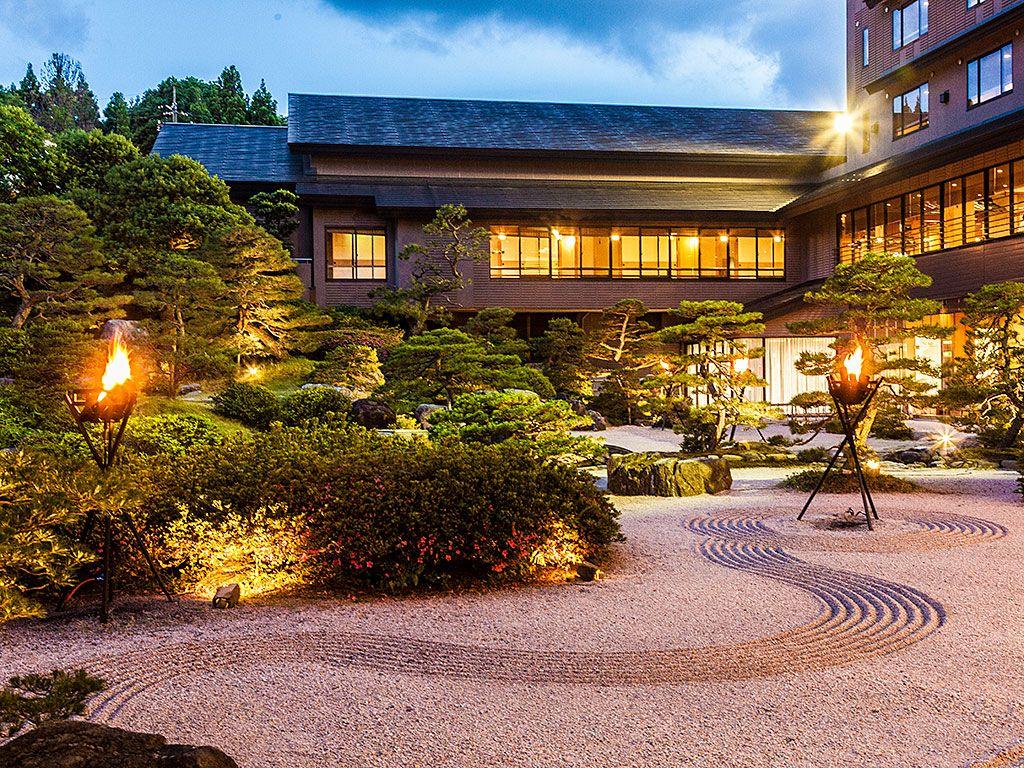 隠れパワースポットもある日本庭園